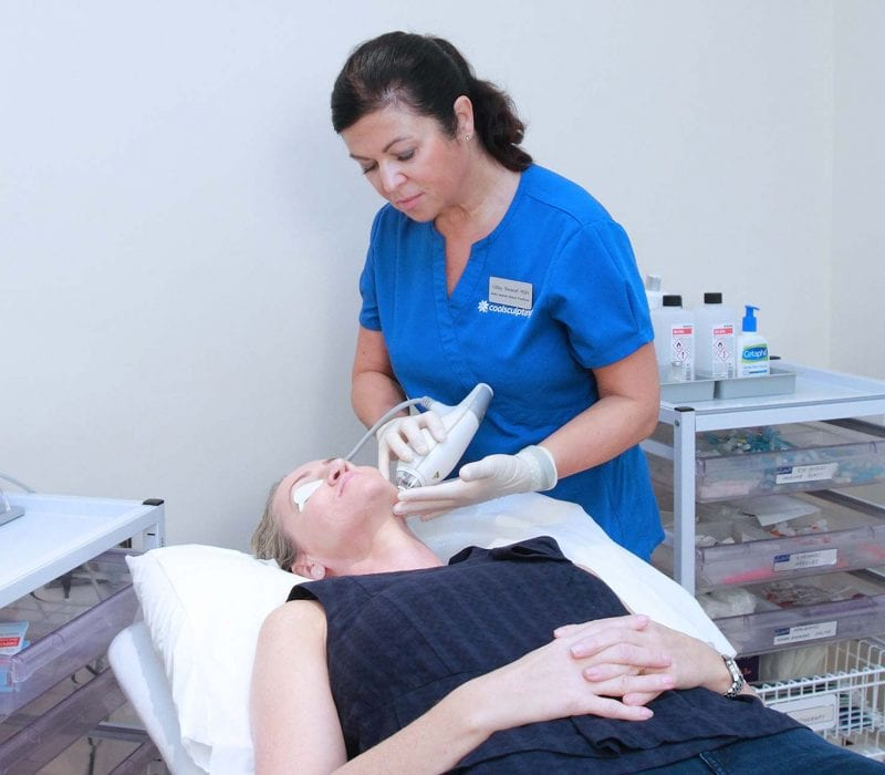 A lady having Clearbrilliant treatment